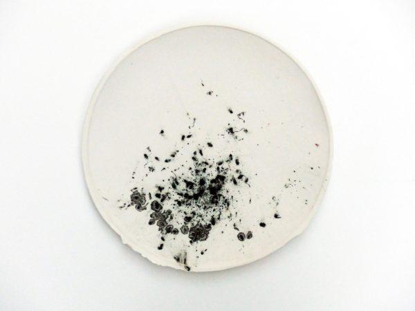 Kunst leaving traces Kachel Porzellan Farbkörper Glasur